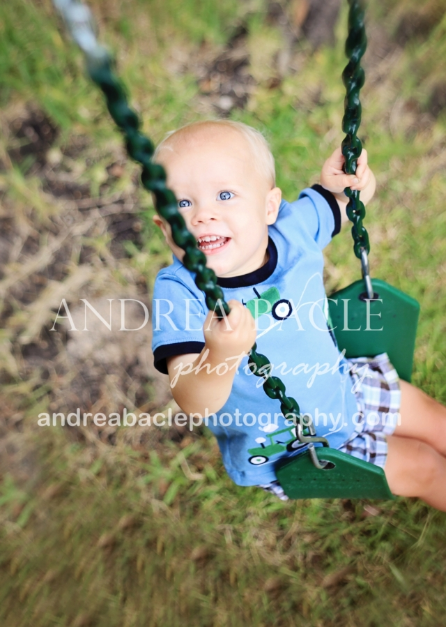 lifestyle family photographer bender's landing backyard photographer