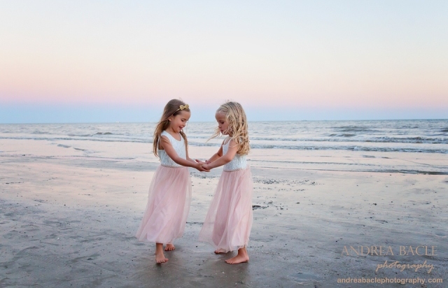cousins twirling galveston family photographer