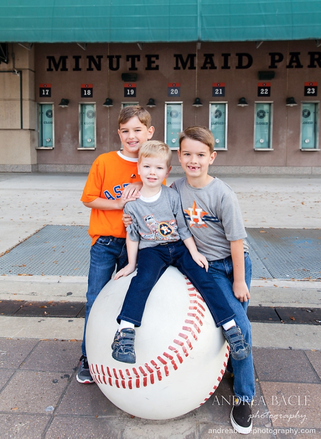 houston tx christmas card photo shoot minute maid park