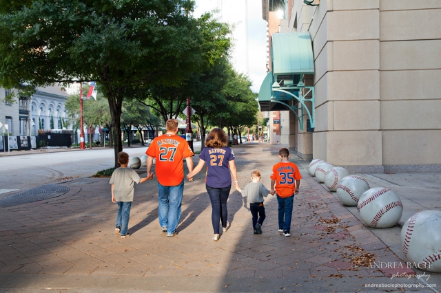 houston tx let's go astros family of five photo session andrea bacle photography